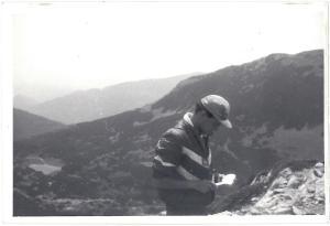 Undeva, deasupra Căldării Bucurei, ungând pate pe pâine, prin 1985, probabil.