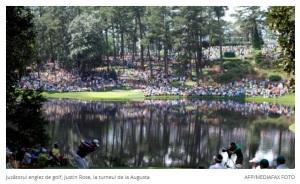 Peisaj cu flori pe malul lacului, Clubul de golf Augusta, Georgia. AFP/MEDIAFAX FOTO/digi24.ro