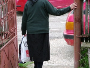 Femeie în poartă FOTO: Calin Hera