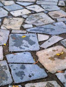 Parcul Herăstrău. Aranjament din pietre. Linişte şi temeincie. FOTO: Călin Hera
