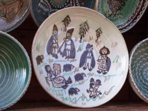 ciobanas pe farfurie din ceramica