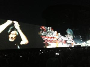 Roger Waters la 70 de ani, fotografiat la concertul din Bucureşti (28 august 2013). Foto: Alexandru Şerban