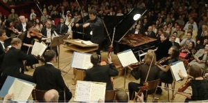 Fazil Say, în timpul concertului de la Ateneul Român. Captură după transmisia livestream