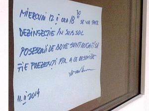 Vedere din Bucureşti. Afiş care anunţă un episod dramatic al seriei Pisici-Purici-Pasiune (PPP). Foto cu telefonul: Călin Hera