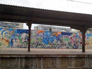 Graffiti în Gara de Nord. Foto cu telefonul: Călin Hera