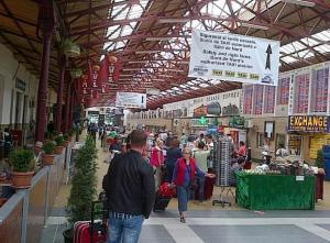 Tarabe în Gara de Nord. Foto cu telefonul: Călin Hera