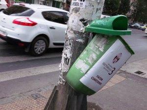 Vedere din Bucureşti. Începe curăţenia de toamnă. Mai uşor, aşa. Foto: Călin Hera (mfc)