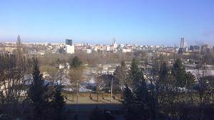 Vedere din Bucureşti de la etajul 6. Foto cu telefonul: Călin Hera