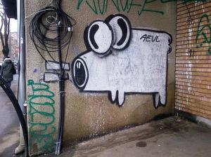 Vedere din Bucureşti. Cu Aeul pe toţi pereţii. Foto cu telefonul: Călin Hera