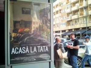 Vedere din București. Alexandru Papadopol, așteptând premiera filmuui Acasă la tata (2015). Foto cu telefonul: Călin Hera