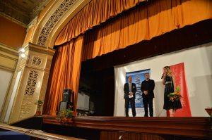 Cu Amalia Enache, şi Costin Tinca, înainte de proiecţia filmului Aferim!, care a deschis Festivalul Filmului European la Hunedoara. Foto: Remus Suciu