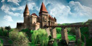 Vedere din Hunedoara. Castelul Corvinilor. Sursa:  castelulcorvinilor.ro