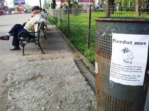 Vedere din Bucureşti. Instantaneu cu moş în Parcul Al. Ioan Cuza (toată lumea îl ştie de IOR). Foto cu telefonul: Călin Hera