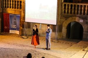 Vedere din Hunedoara. După film, întrebări şi răspunsuri cu Emilian Oprea, actorul din De ce eu?, şi Amalia Enache. Sursa: castelulcorvinilor.ro