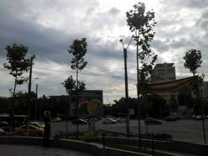 Vedere din București. Intersecția din rondul Baba Novac, văzută într-o dimineață de iunie. Foto cu telefonul: Călin Hera
