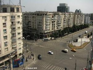 Vedere din București. Blocurile comuniste din ceea ce e astăzi Piața Sfânta Vineri. Sursa: raiden
