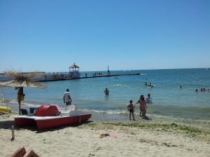 Colț de plajă la Balcic. Foto cu telefonul: Călin Hera