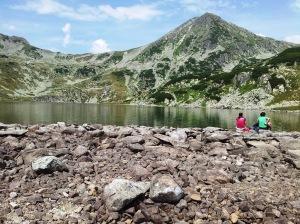 Munții Retezat. Lacul Bucura, cu Curmătura și Vf. Custurii. Foto cu telefonul: Călin Hera