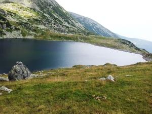 Munții Retezat. Lacul Bucura văzut de pe malul drept. Foto cu telefonul: Călin Hera