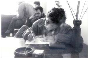 La Tiraspol, în vreme de război, împreună cu prietenul nostru, care ne-a fost translator. P.S. Bărbosul sunt eu. Foto: Sorin Stanciu
