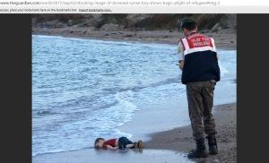 Aylan Kurdi, copilașul sirian de trei ani găsit mort pe o plajă din apropiere de Bodrum. Sursa: The Guardian