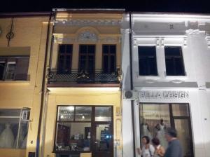 Vedere din Craiova. Fațade în centrul vechi. Foto cu telefonul: Călin Hera