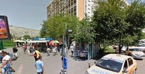 Vedere din București. Colț de rai al manualelor din fața magazinului Obor. Sursa: streetview / iulie 2014