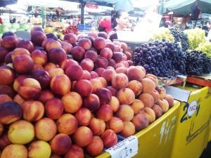 Vedere din Bucureşti. Imagine din Piaţa Râmnicu Sărat. Foto cu telefonul: Călin Hera