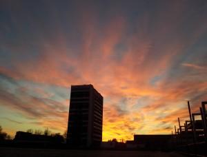 Apus de soare la Mamaia, luna noiembrie Foto cu telefonul: Călin Hera