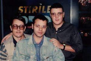 Trei producători: Mișu Predescu, Adrian Navarro (pe vremea aceea se numea altfel, dar acum e american), Peter Barabas. Sursa: Facebook/Mișu Predescu