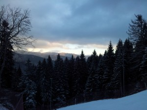 Vedere din Bușteni, pârtia Kalinderu. Foto cu telefonul: Călin Hera