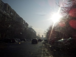Gerul văzut prin lentilă și soare cu dinți. Foto: Călin Hera