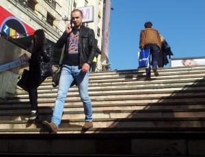 Oameni în București. Foto: Călin Hera