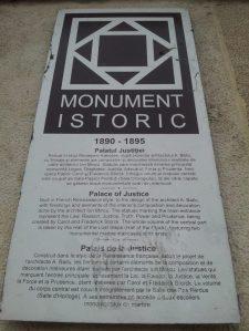 Vedere din București. Palatul de Justiție, monument istoric. Foto: Călin Hera