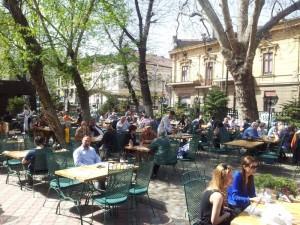 Vedere din București. S-au deschis terasele. Foto: Călin Hera