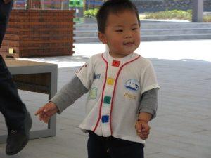 Copil mândru în Shanghai. Foto: Calin Hera