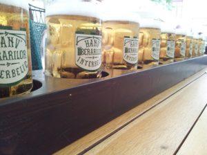 Vedere din București. Un metru de bere, care se asortează cu orice anotimp. Foto: Calin Hera
